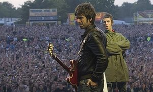 brothers Noel-and-Liam-Gallagher.jpg